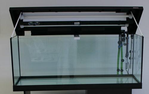 Vasca commerciale da 120 *40 *45 cm – 200 litri netti, con illuminazione neon inclusa nel coperchio.