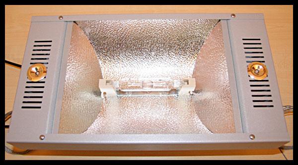 Luce Attinica con LED